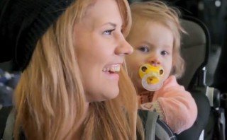 Singer gone viral walked out of abortion clinic when pregnant with daughter