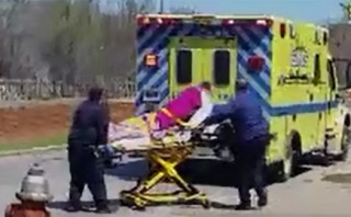 Abortion clinic wraps woman like a mummy and rushes her to the hospital by ambulance