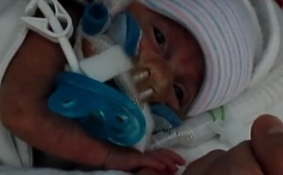 "Baby born at 23 weeks given name which means ""God's gift"""